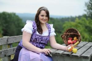 Apfelkönigin Carolin 4256x2832