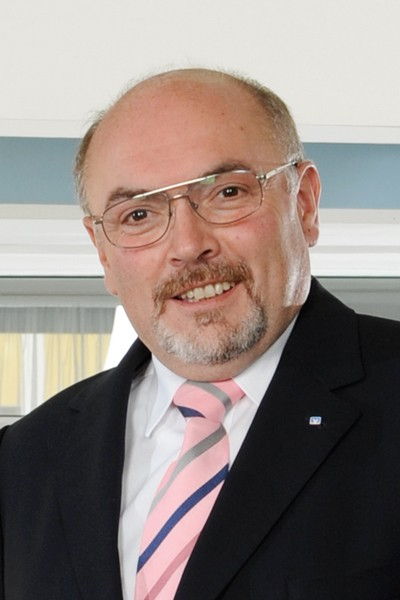 Manfred Geyer ist bis 2016 Vorstandschef der neuen Genossenschaftsbank.