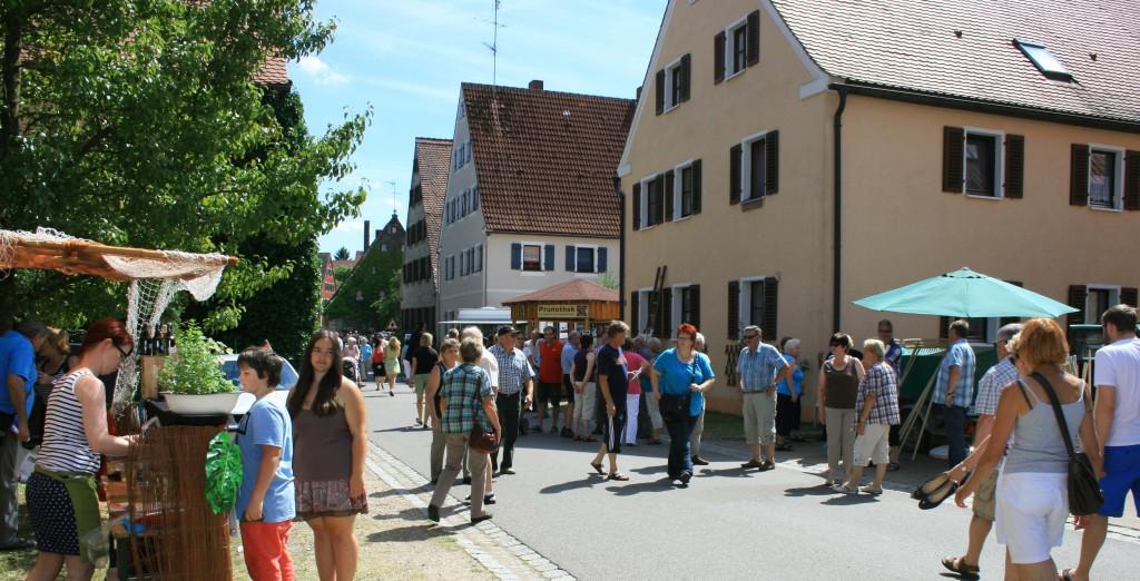 Das ganze Dorf war bevölkert. Die Aktion hatte eine tolle Resonanz. Fotos: D. Müller