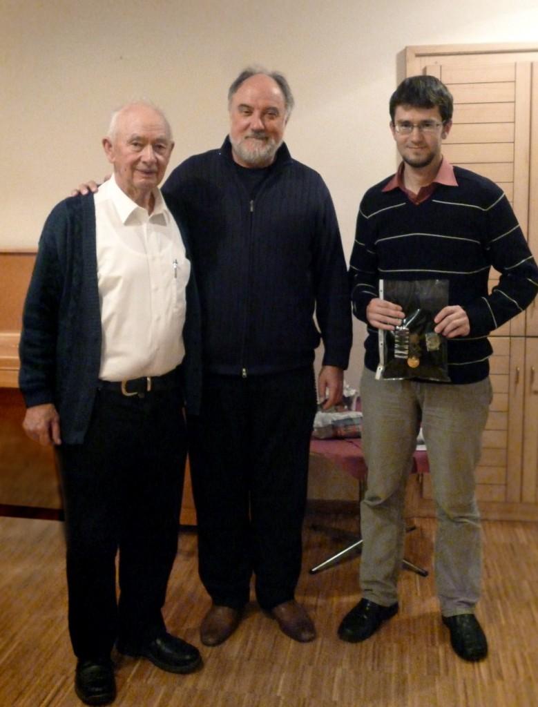Der Historiker Dr. Daniel Schönwald (rechts) mit den Geistlichen Martin Geisler und Hermann Kaussler.