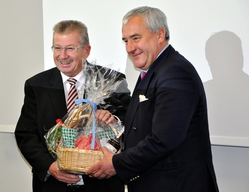 Landrat Wägemann bedankte sich bei Kultusminister Dr. Spaenle.