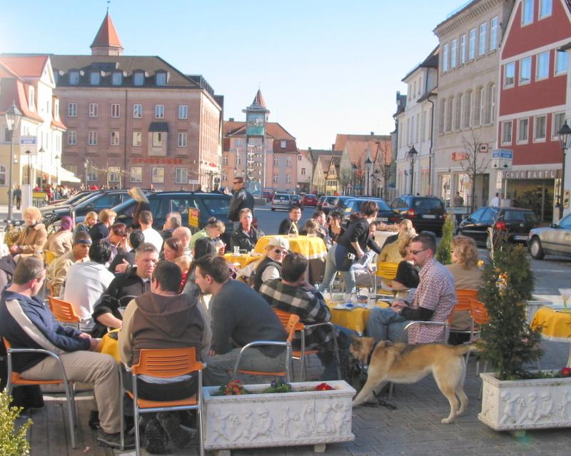 So soll es sein auf dem Marktplatz: Events machen die Geschäftszone attraktiv für alle.