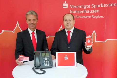Die Vorstände Burkhard Druschel (rechts) und Jürgen Pfeffer folgen dem Trend der Zeit und den Wünschen der Kunden.