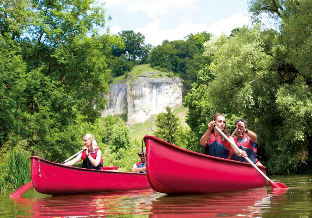 Ein Klassiker im Naturpark sind die Bootstouren auf der Altmühl.