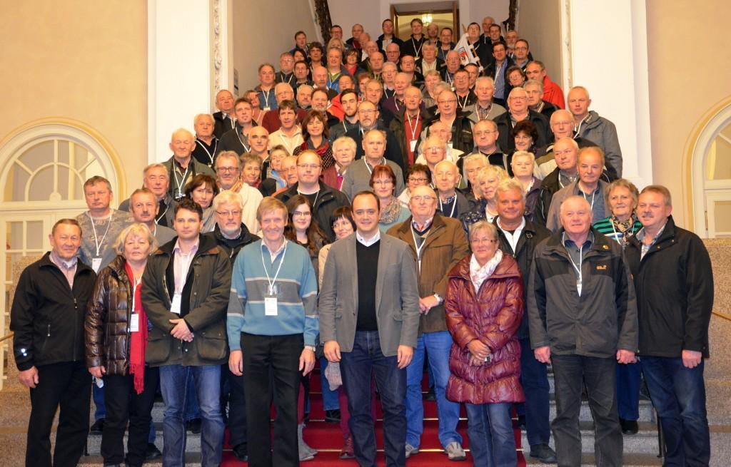 Presse_Gruppenbild gesamt Landtagsfahrt FFW Büchelberg und Reservistenve...