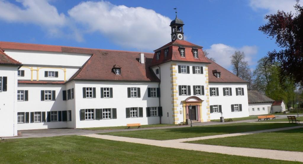 Oper unter freiem Himmel vorm Weißen Schloss zu Triesdorf